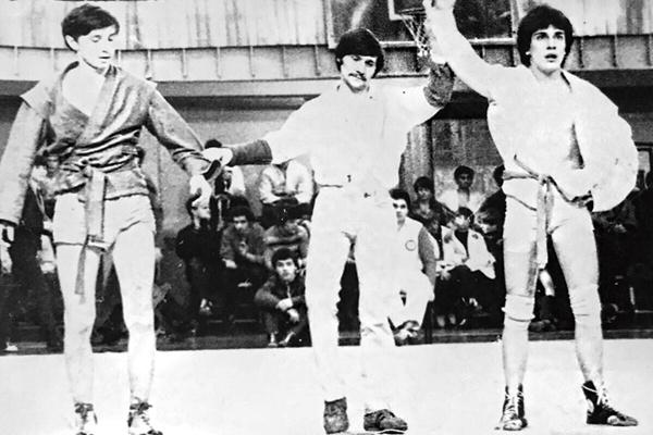 Юноша занимался самбо, дзюдо и спортивной гимнастикой (крайний справа)