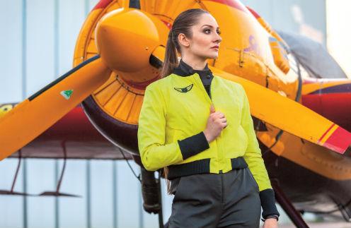 Москвичка уволилась и развелась, чтобы шить одежду для пилотов