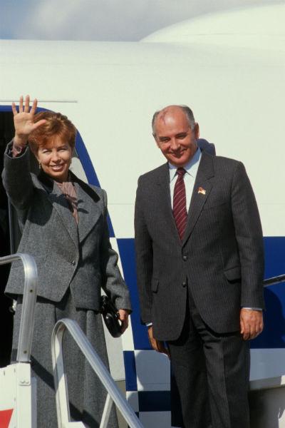 Жена политика умерла еще в 1999 году, и Горбачев тяжело переживал семейную драму