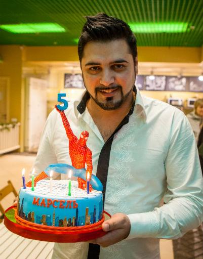 Праздничный торт украсили в стиле любимого мультфильма именинника