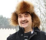 Валерий Комиссаров ответил на нападки соседей из-за строительства хостелов для гастарбайтеров