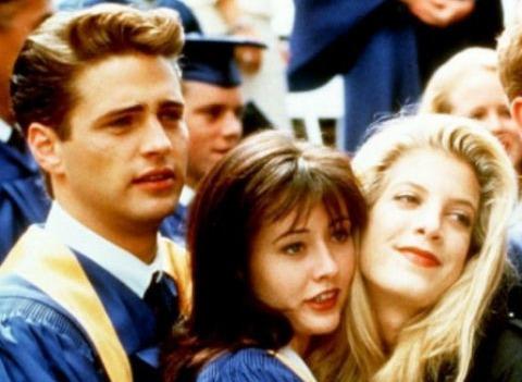 «Беверли-Хиллз, 90210» 28 лет спустя: как сейчас выглядят звезды сериала