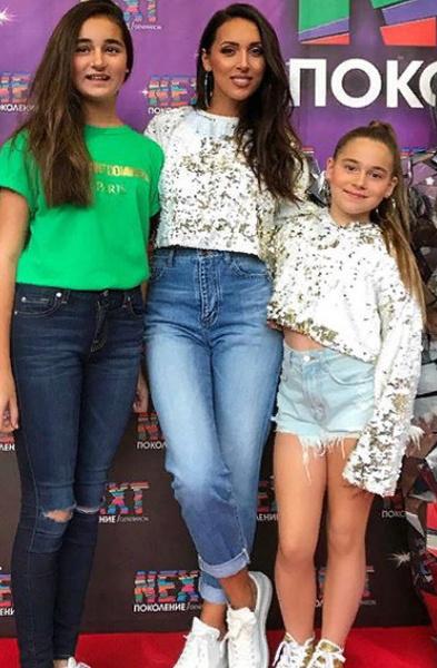 Алсу с 11-летней Микеллой и 9-летней Сафиной побывала в Сочи
