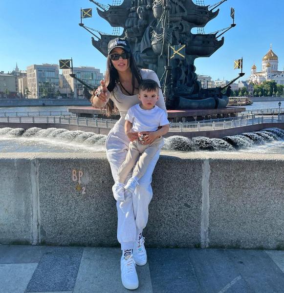 Анастасия Решетова проводит с сыном много времени