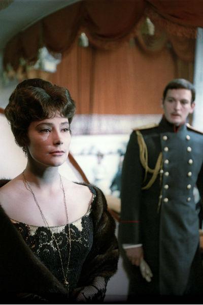 Самойлова и Лановой играли любовников в экранизации романа Льва Толстого