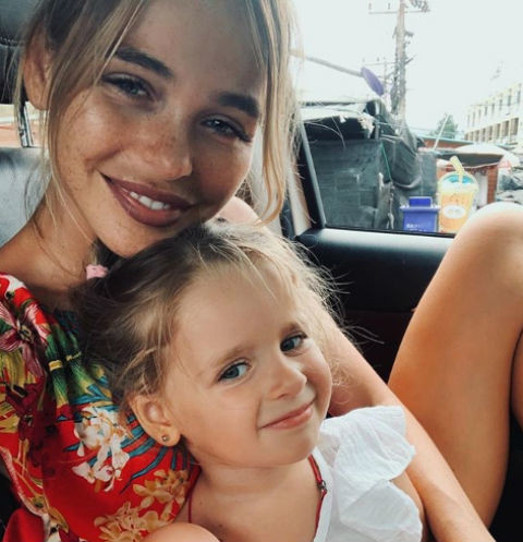 Анна Хилькевич со старшей дочерью Арианной