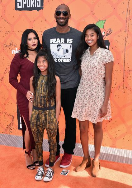 Супруги воспитывали четверых дочерей