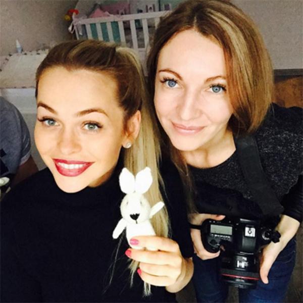 Анна Хилькевич с первым фотографом своей дочки Арианны
