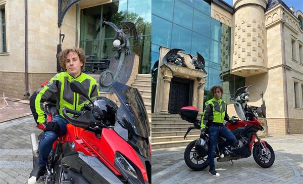 Максим Галкин на мотоцикле