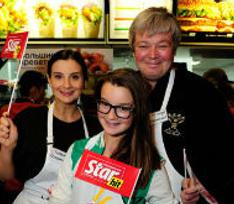 Российские звезды встанут за кассы «Макдоналдса» ради детей