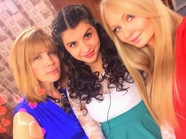 Светлана Михайловна, Алиана Гобозова и Дарья Пынзарь