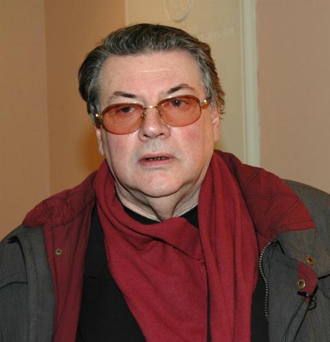 Александр Ширвиндт: «Олег Ефремов в состоянии крайнего опьянения ногами бил машины»