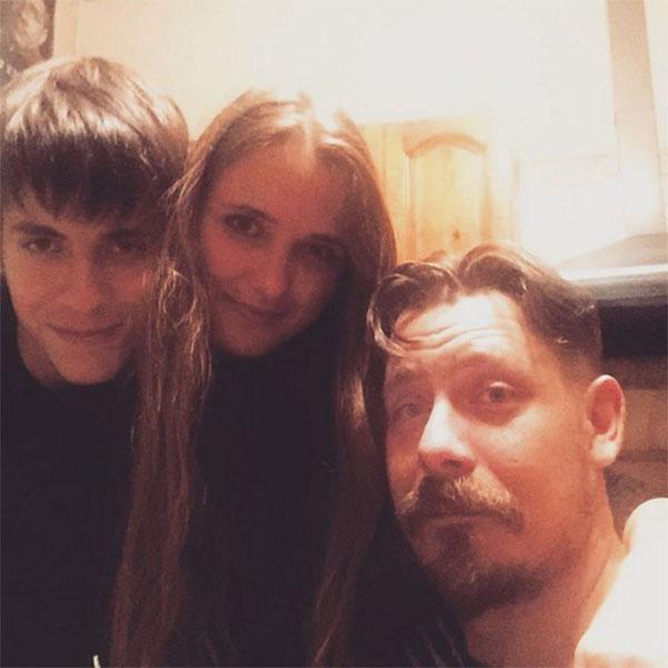 Наталья Краско в окружении внуков своего супруга Яна Анжи и Кирилла Краско