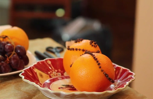 Видео: Выпуск 37. Апельсин, украшенный гвоздикой – фото №1