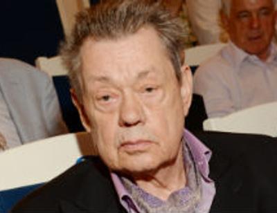 Николай Караченцов получил серьезную травму