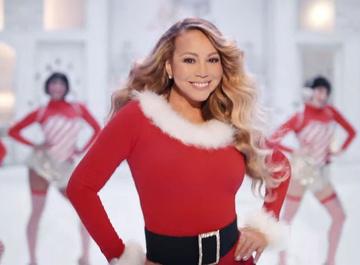 Мэрайя Кэри выпустила новый клип на рождественский хит All I Want for Christmas Is You