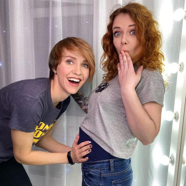 Лена и Женя не только дружат, но и вместе развивают YouTube-канал