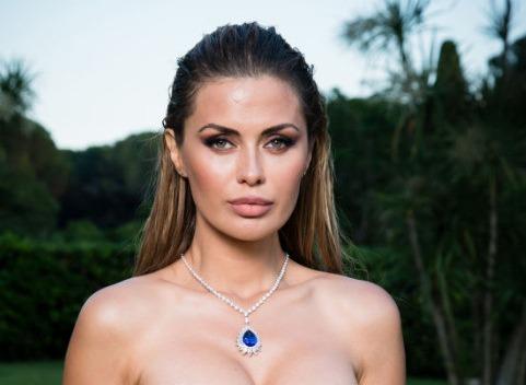 Виктория Боня отдыхает на Мальдивах в компании молодого итальянца