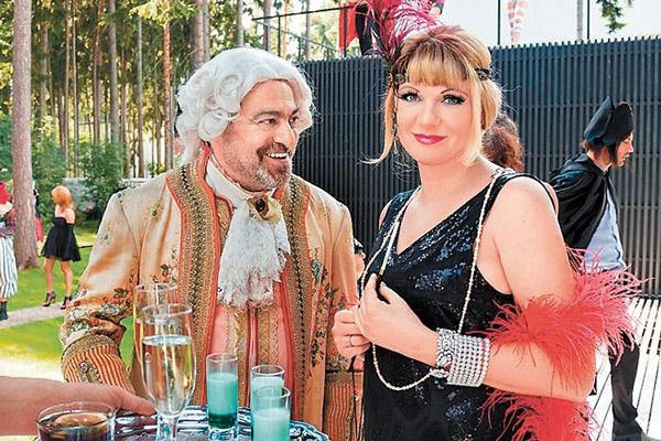 В сериале «Последний из Магикян» Ардова играет жену главного героя Карена