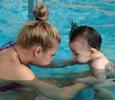 Сын Вадима Галыгина учится плавать