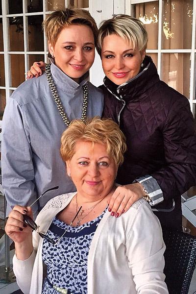 Ирина и Катя Лель