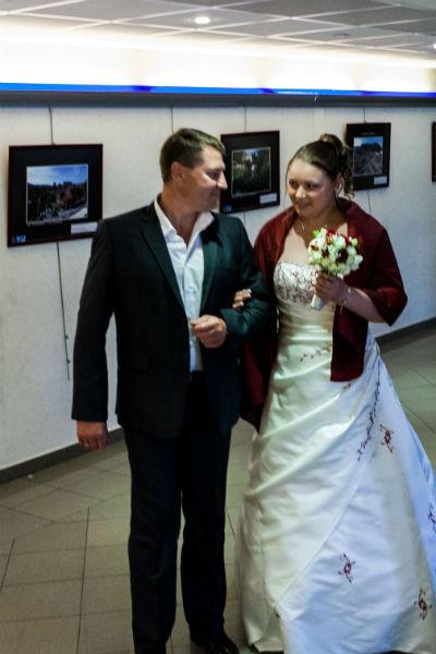 В июне 2013-го Попов  выдал дочку замуж, ее избранник- француз