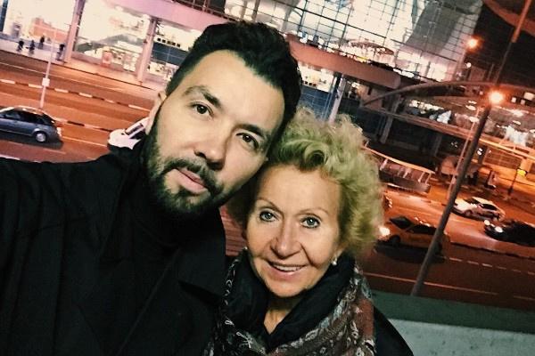 Со смертью супруга главной опорой Ирины стал сын Денис Клявер