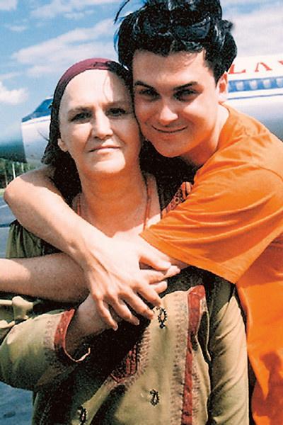Несмотря на большую разницу в возрасте, Юлиан подружился с Нонной Викторовной