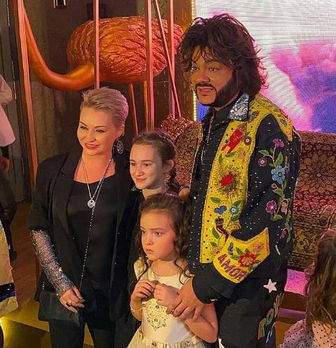 Катя Лель с дочерью, Алла-Виктория с папой