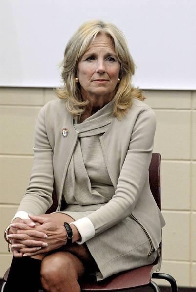 Жена Джо Байдена оказалась в центре сексистского скандала
