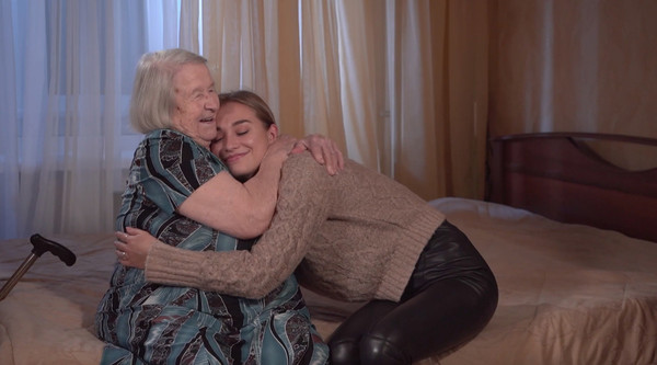 Настя с бабушкой Антона Криворотова