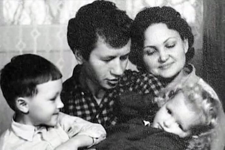 Инфаркты, госпитализация сына в психушку, обиды на киностудию. Что предшествовало гибели Леонида Быкова