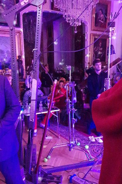 Красный латексный костюм Ольги Бузовой произвел впечатление на всех присутствующих