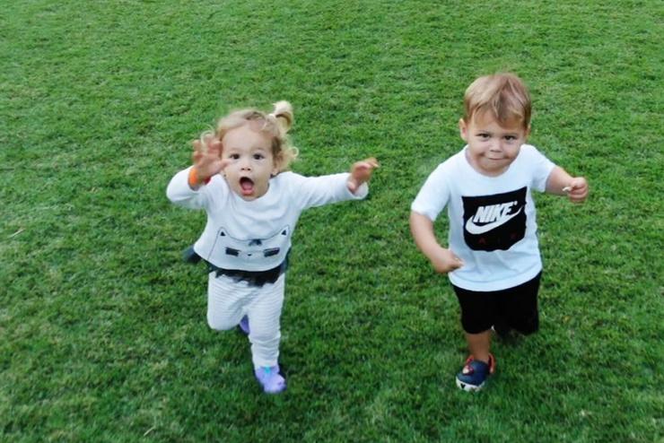 В декабре 2017-го спортсменка родила близнецов Николаса и Люси
