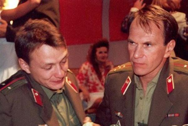 После роли в сериале «Граница. Таежный роман» в 2000 году Башаров проснулся знаменитым