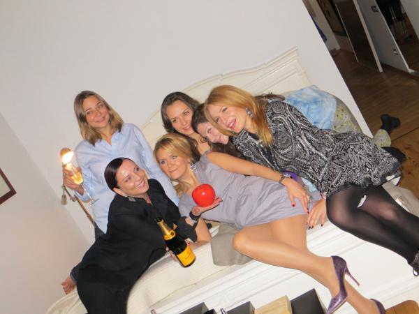 Моя жена с подругами: Лидией Александровой, Натальей Лучаниновой, Катей Добряковой, Евгенией Линович и Ольгой Панченко