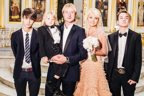 Яна Рудковская тоже в свое время боролась за старших сыновей