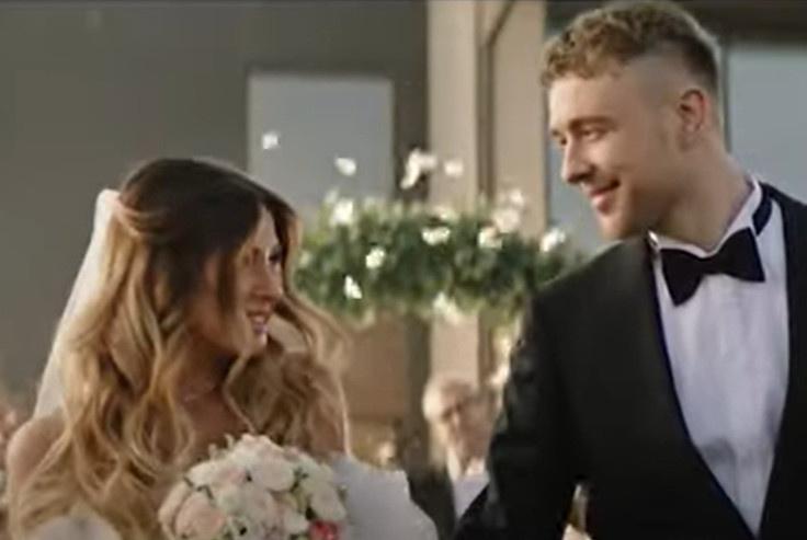 Свадьба Нюши и Егора крида в новом клипе артистов
