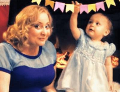 Двухлетняя дочь Светланы Пермяковой сама готовит пельмени