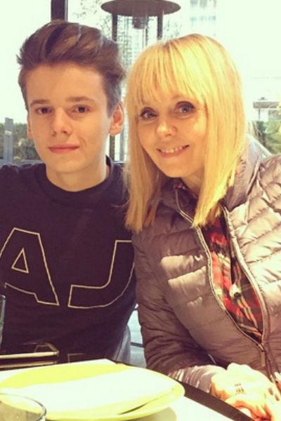 Арсения Шульгин с мамой, певицей Валерией