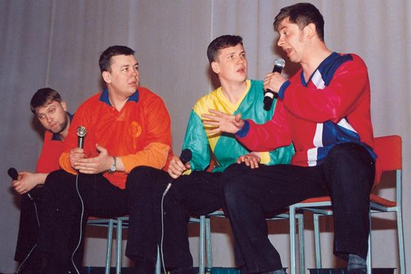 Команда «Уральские пельмени» создана в 1993 году. Брекоткин был ее вице-капитаном