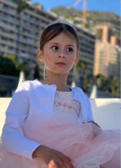 Боня создала дочери нежный образ принцессы