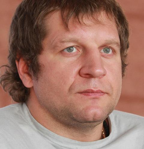 Освобожденный Александр Емельяненко отдыхает у друзей