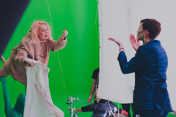 Петров поддержал Клаву в новом клипе