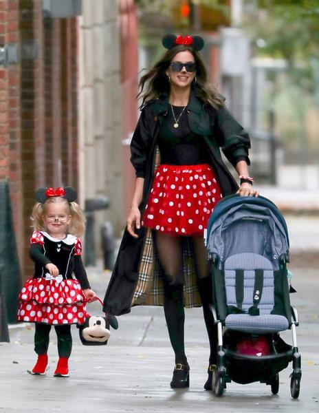 Модель делает все, чтобы у дочери было счастливое детство