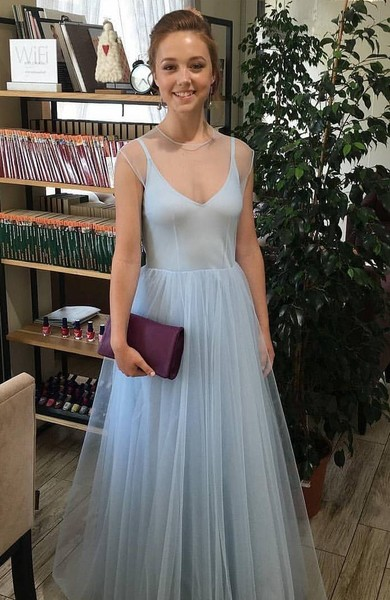 Катя Старшова уже отпраздновала выпускной, но поклонники по-прежнему видят в ней Пуговку