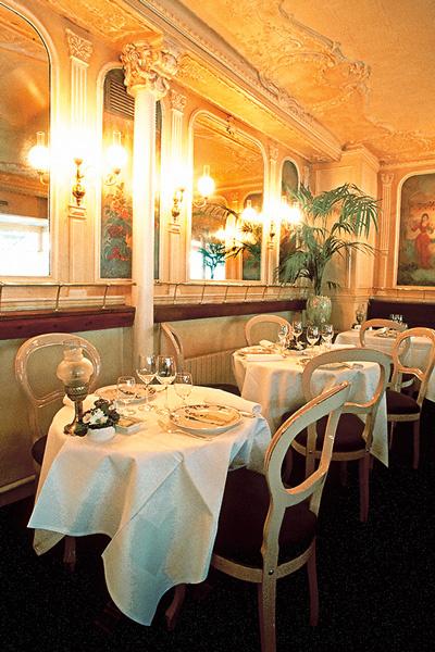 А может, стоит помнить, что в любом классном ресторане есть и VIP-кабинеты?