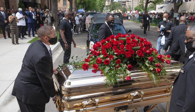 Джорджа Флойда похоронили с почестями