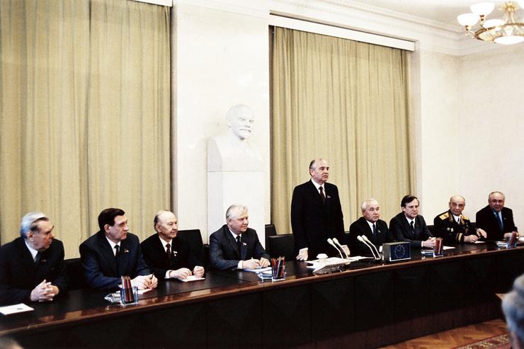 Партийная карьера Горбачева стремительно развивалась