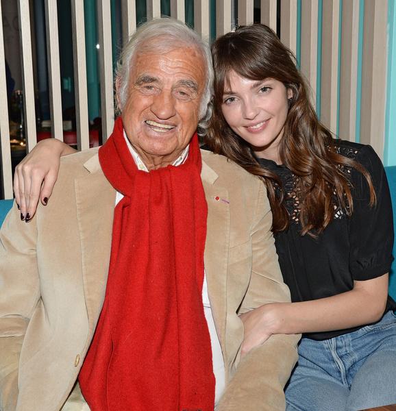 Жан-Поль Бельмондо с младшей внучкой
